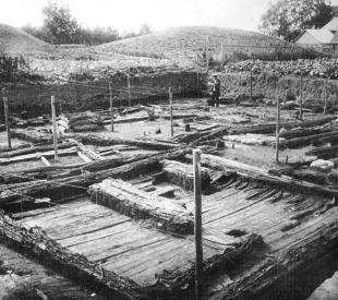 Fortified  ancient  settlement of Staraya Ladoga.Excavations under leadership of  N.I. Repnikov. 1912