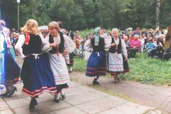 The International folk  festival of the native people of the Karelian Isthmus in the museum-preserve