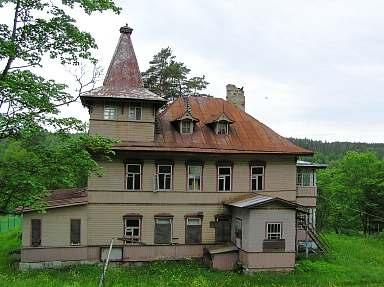 Luga district. Former dacha (country house)  of E.K. Barsova in Muraveyno Village